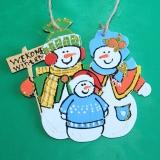 Семья снеговиков с малышом wood7